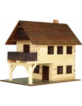 Hiša z balkonom